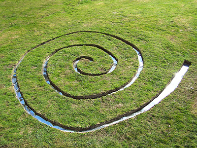 turf spiral with mirror sheeting