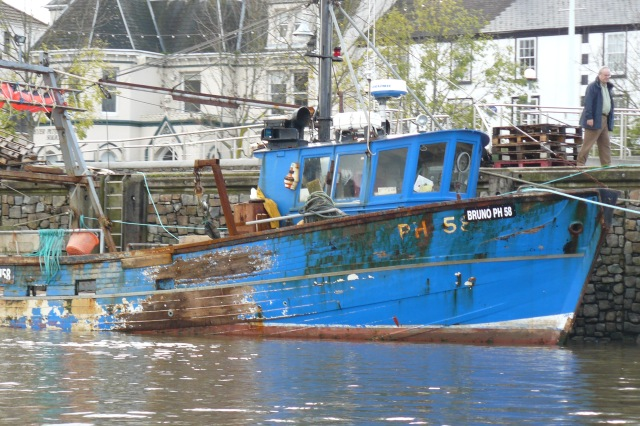 fishing boat at Bideford - catching whelks